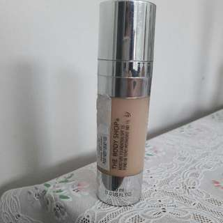 The Body Shop Moisture Foundation SPF15 (Shade 02)