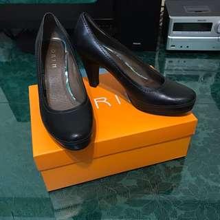 ORIM 黑色高跟鞋(防水台)
