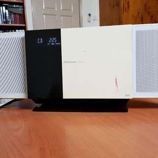 Panasonic SC-HC35 Slim Audio System