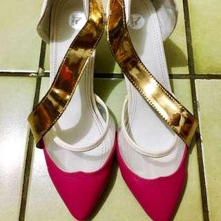 Preloved - sling gold heels