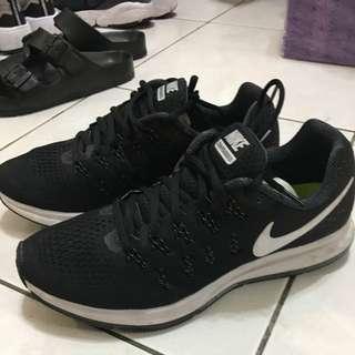 二手Nike 慢跑鞋