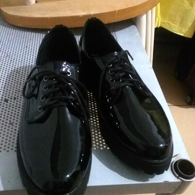 【亮面女用皮鞋】【25號】