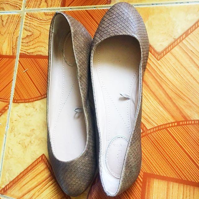 Bershka Snakeskin Brown Shoes (Size 35)