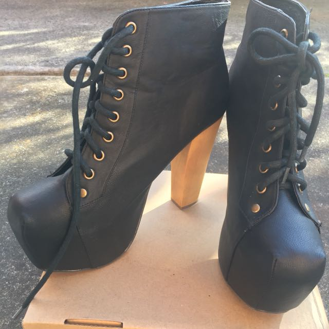 Black SZ 9 Ankle Boot Platform Chunky Heel W Lace Up Detail Jeffrey Campbell Lita Dupe