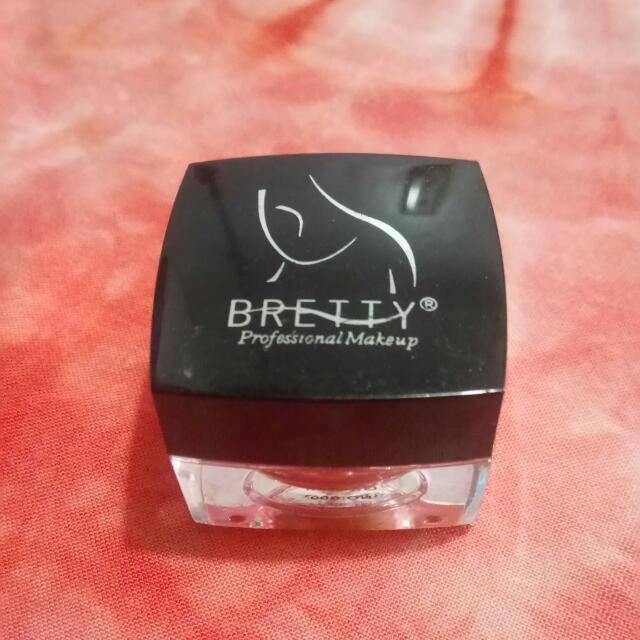 Bnew Bretty Professional Make Up in Gold