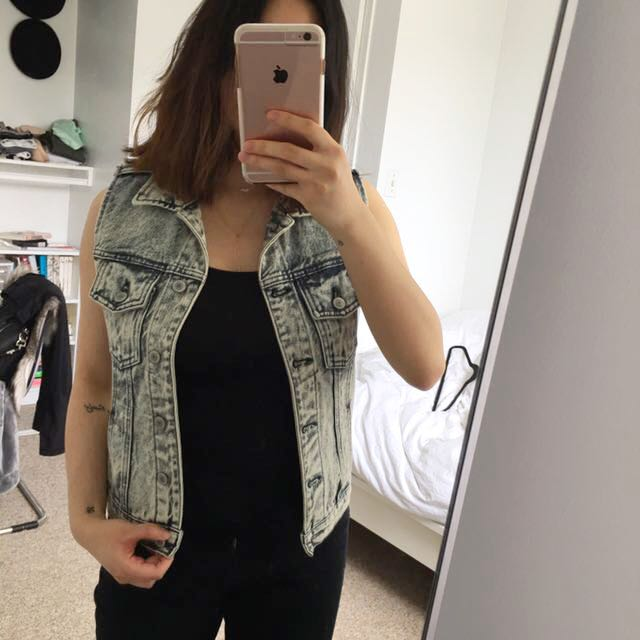Brandy Melville Denim Acid Wash Vest