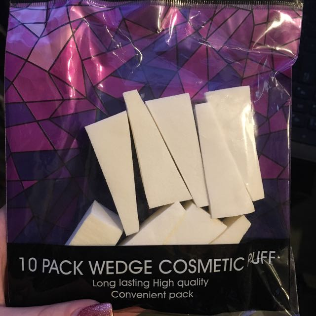'Cosmetic Puff' Triangle Beauty Blender