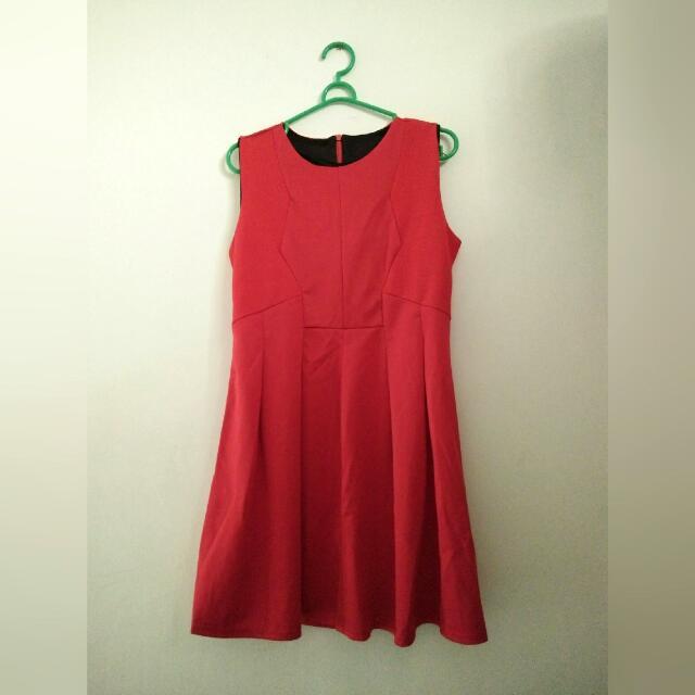 Dress Merah Sleeveless