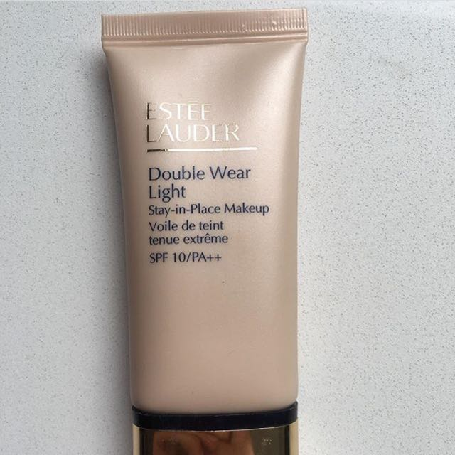 Estee Lauder Double Wear Light, stay-in-place makeup (foundation) 30ml
