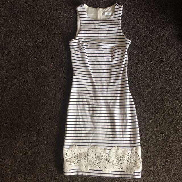 Forever New dress Sz 6
