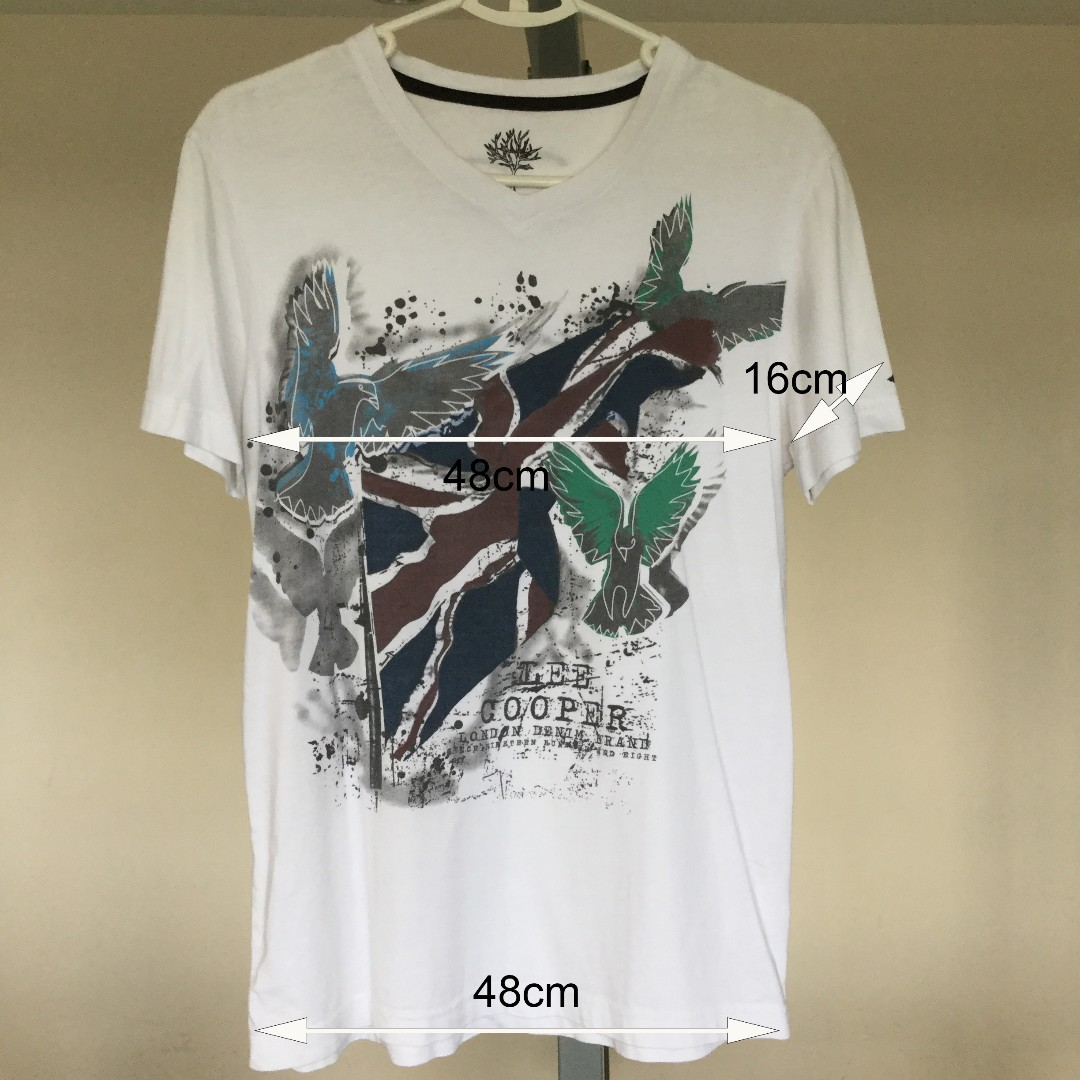 6fd756231 Lee Cooper White Graphic T-Shirt, Men's Fashion, Clothes on Carousell