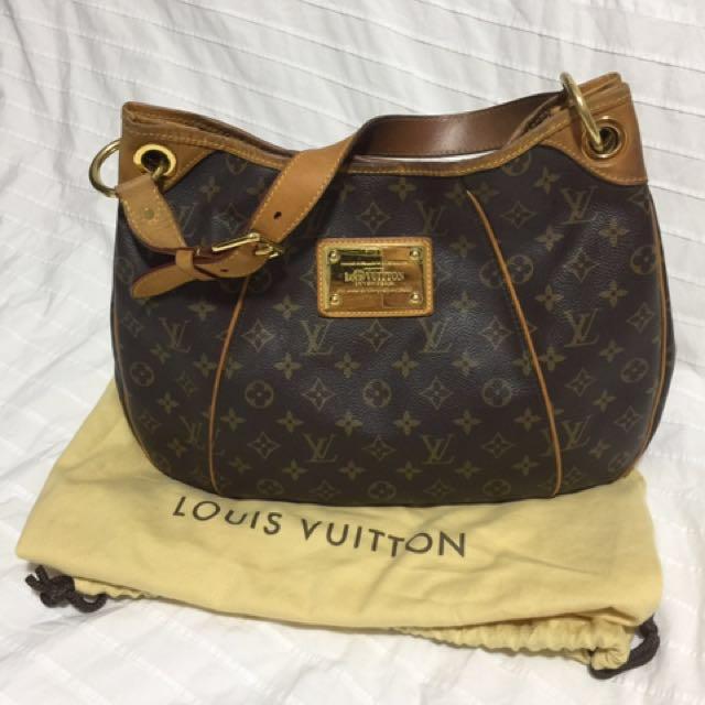 c1b7cad96eb4 Louis Vuitton Monogram Canvas Galliera PM Shoulder Bag