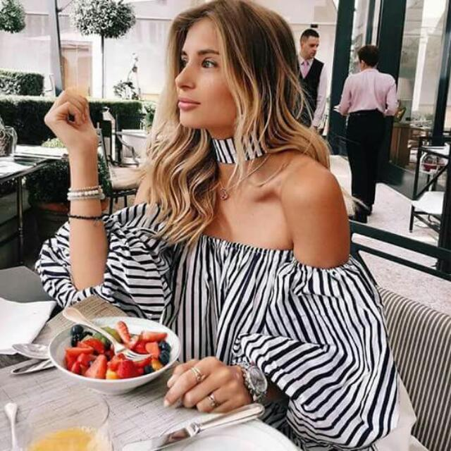Maria Stripes top W/choker