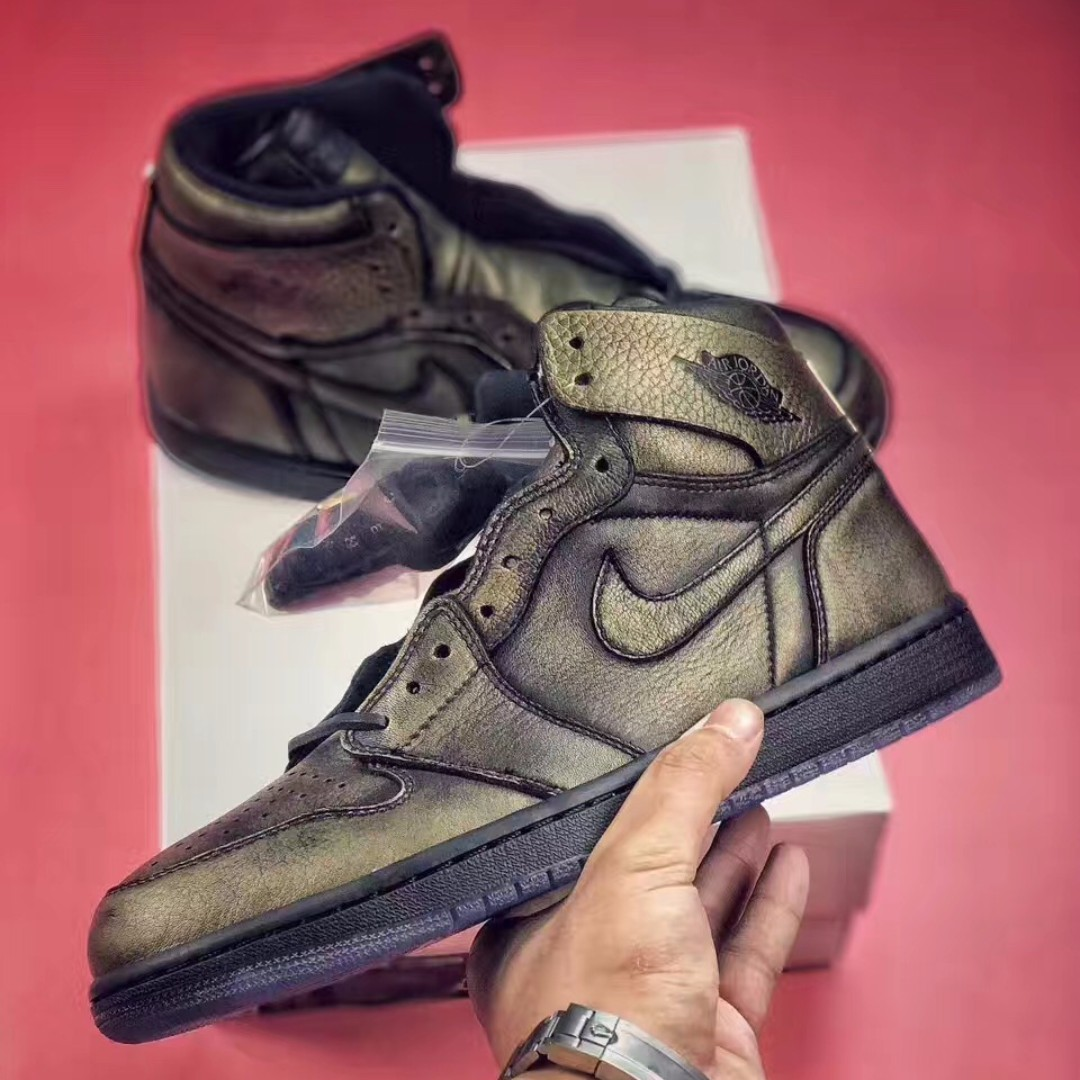 1e53a25844b NEW] NIKE Air Jordan 1 Wings, Men's Fashion, Footwear on Carousell