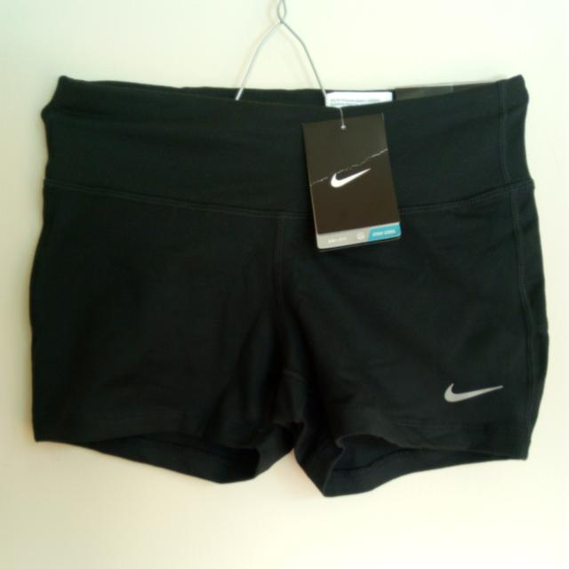 NEW Nike Epic Run Shorts XS