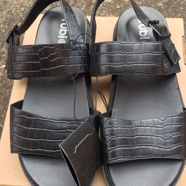 NEW RRP $39.95 Rubi SZ 38 Black Strap Sandals