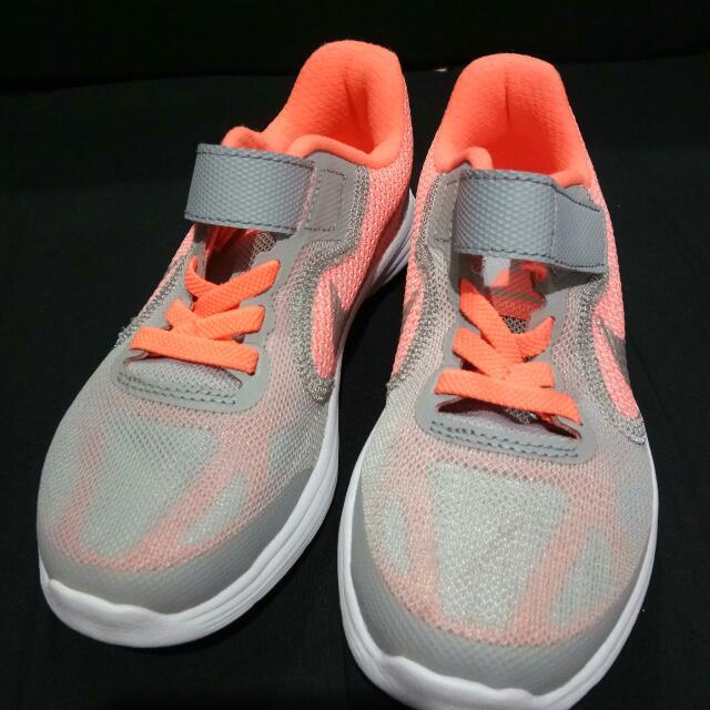 ( Repriced)  Nike Revolution 3