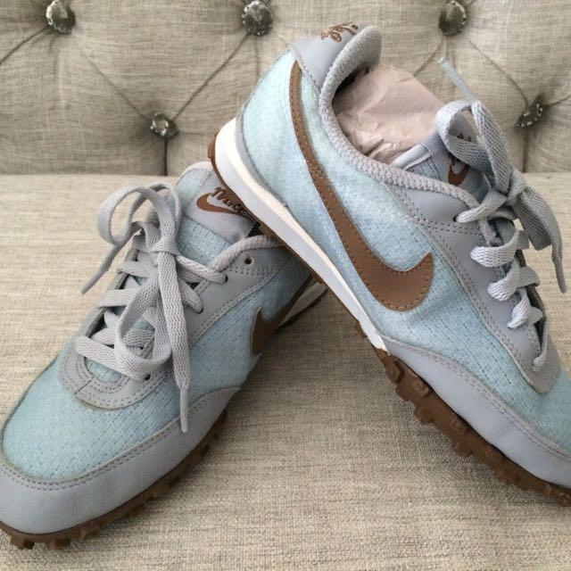 Nike Women Size 5 New Sneakers