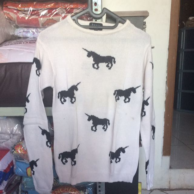 Preloved Amore Sweater Unicorn