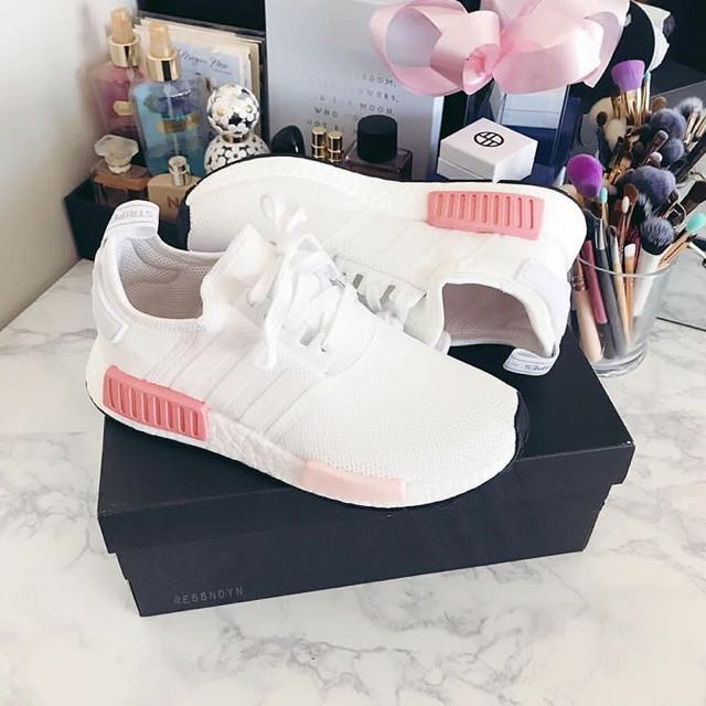 5d407cd50ccc8 RARE SIZES  UK3.5   4   4.5   5   5.5 Adidas NMD R1 White Rose ...