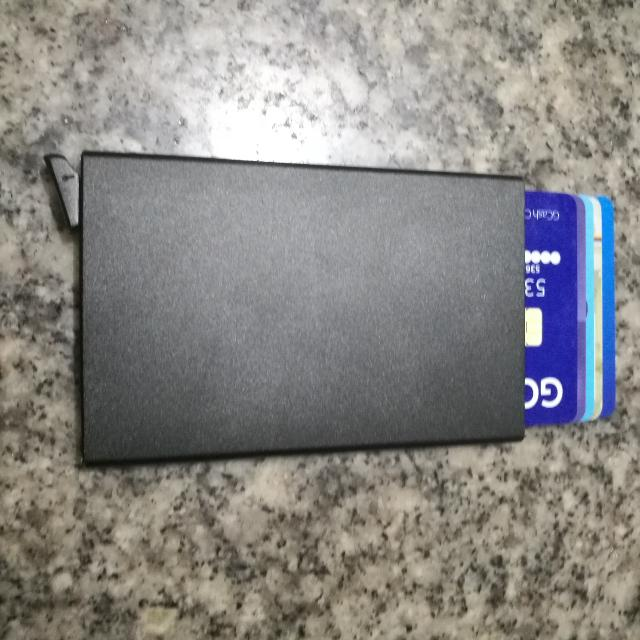 RFID PROTECTED ALUMINUM CREDIT CARD WALLET