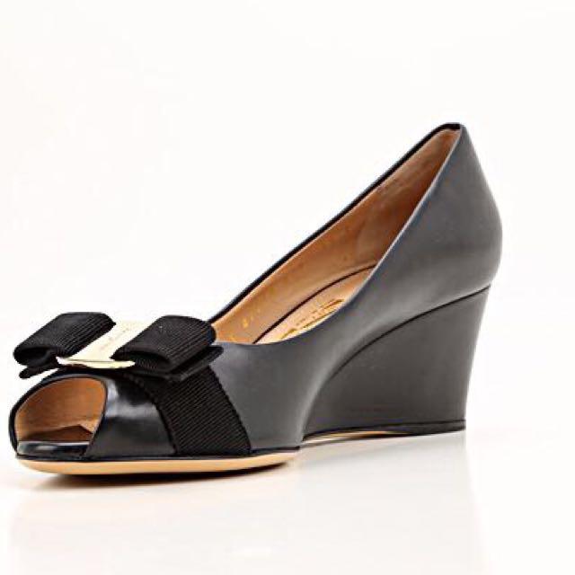 11111edb989c Home · Women s Fashion · Shoes. photo photo photo photo photo