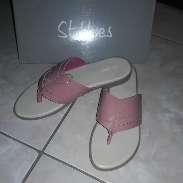 Sandal St Yves
