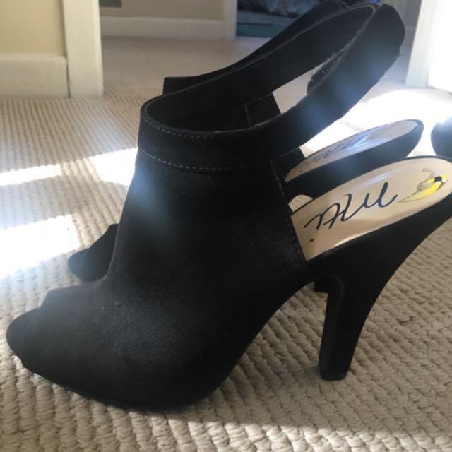 Size 8 Women's Heels/sandal