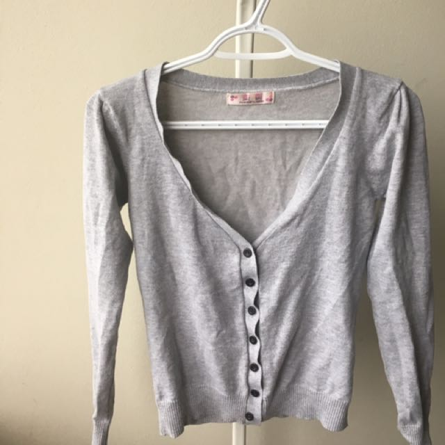SIZE XS GREY BUTTON UP CARDIGAN