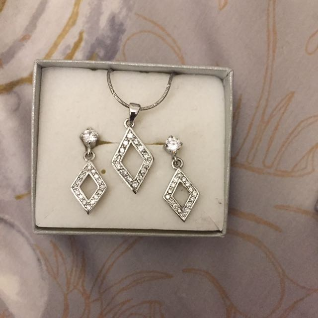 Sterling Silver 925 Earrings And Pendant & Necklace Set