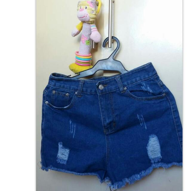Tattered shorts  27 to 29