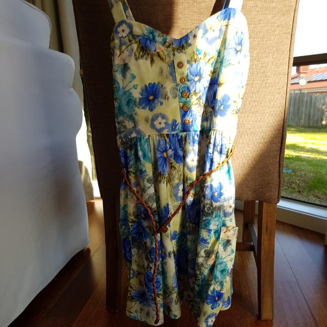 Valley Girl Dress Size S