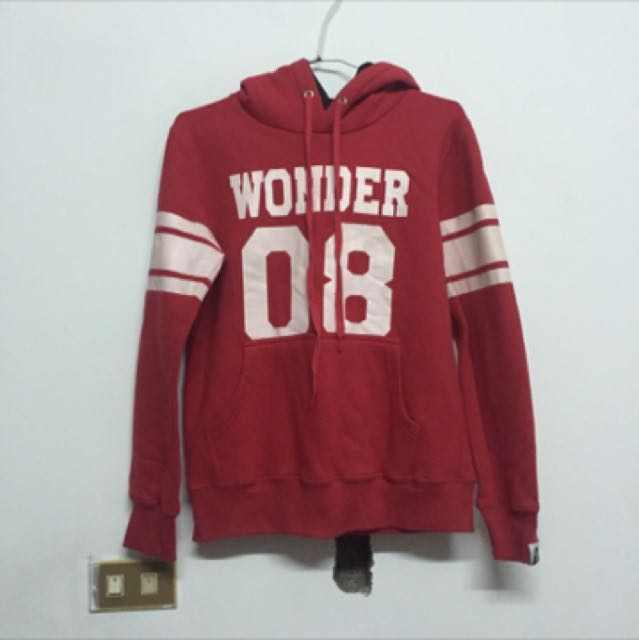 Wonder Eight連帽上衣