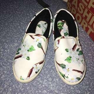 Primadonna Floral Slip On Sneakers
