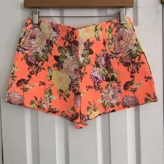 Women Shorts Floral Size Small
