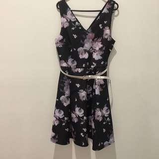 Medium Stretch Floral Dress With Belt