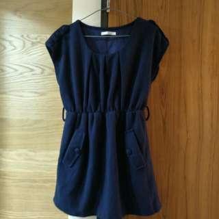 深藍色洋裝