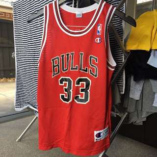 Bulls Basketball Top