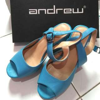 Andrew Wedges Blue 35