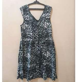 Forever 21 Green Leopard Dress 2X - Preloved