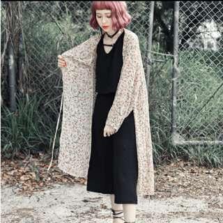 🔥新品現貨🔥浪漫米杏色花朵雪紡外套罩衫