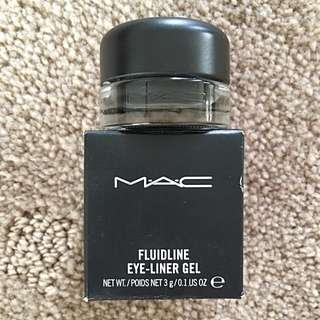 MAC Fluidline Eye Liner Gel In Blacktrack