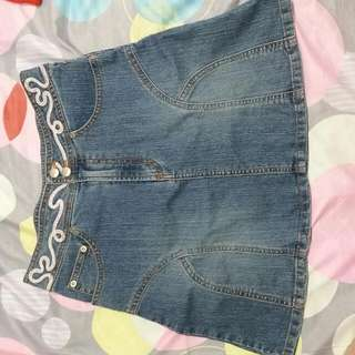 AUTHENTIC GIRLS SKIRT GUESS