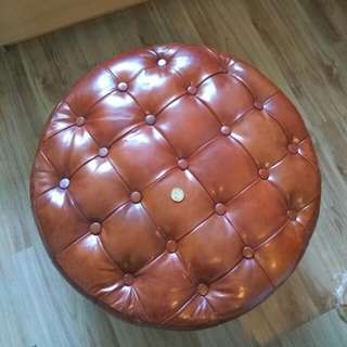 Chesterfield Wide Round Stool Chair