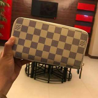 Lv Pouch 💝