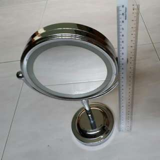 Table Mirror With 2 Sides -Normal Reflection And Magnification