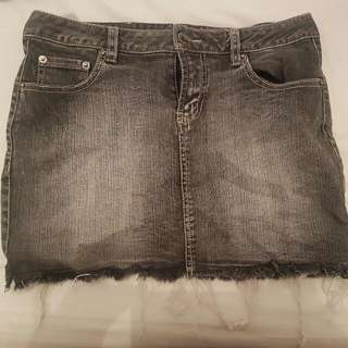 NIX JEANS Frayed Denim Skirt