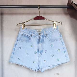 High Waist Shorts w/ Floral Embroidery