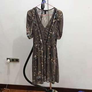 Dress Coklat Abu Floral Mango