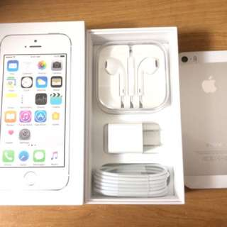 Brand New iPhone 5s 16GB Includes All Accessories